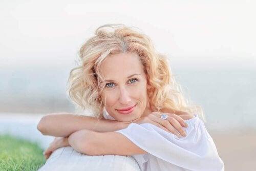 Menopoz Döneminde Cildinize İyi Bakmak İçin 8 İpucu