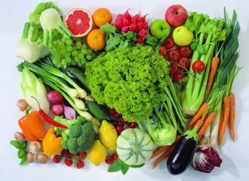 çeşitli sebze ve meyveler