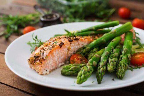 yüksek kolesterol somon balığı ve kuş konmaz
