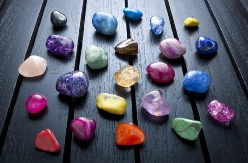 çakralar için terapi taşları