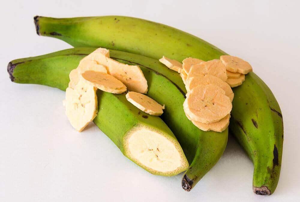 yeşil plantain meyvesi