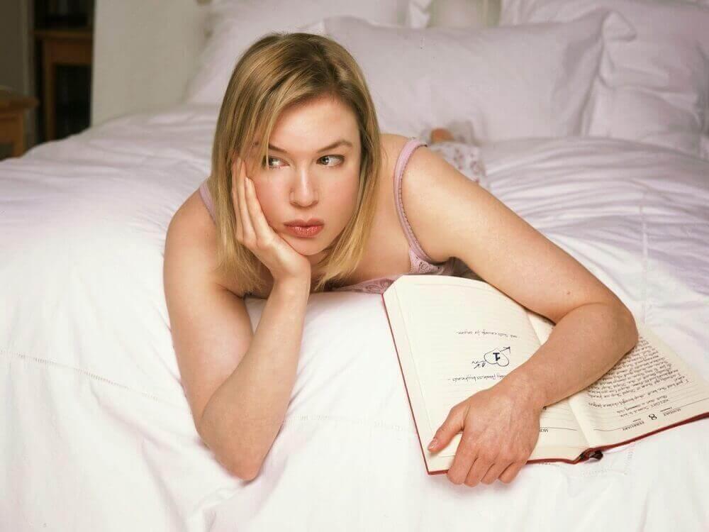 hafıza alıştırması yatakta uzanan kadın