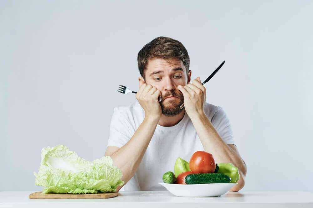 adam zorla diyet yapıyor
