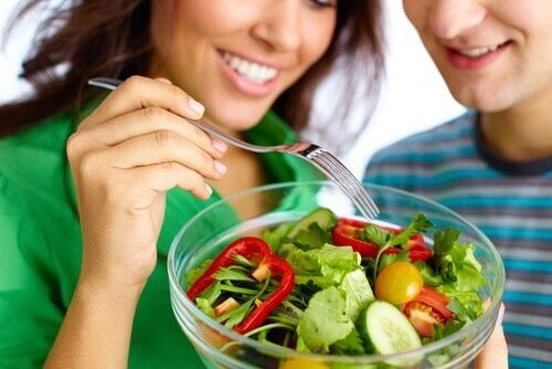 bir kase salata