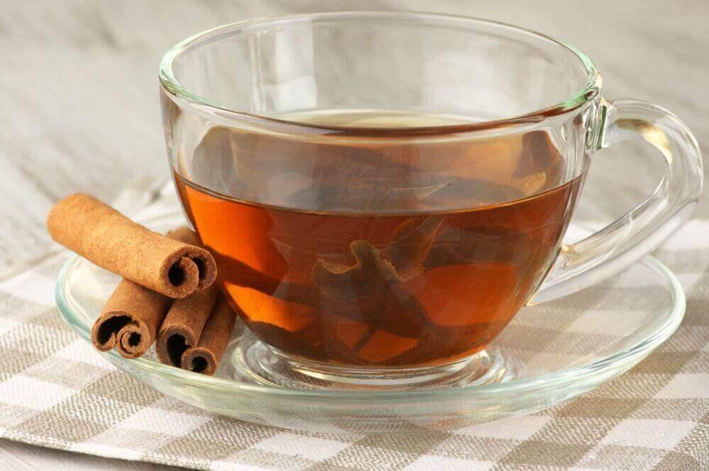 bardakta tarçınlı çay