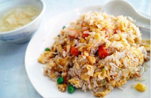 Tavuk ve Ballı Çin Pilavı