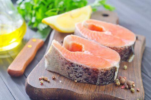en yaygın gıda alerjileri somon balığı