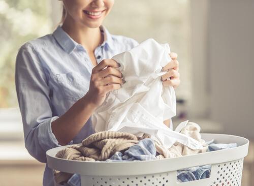 Giysilerinizdeki Yağ Lekelerinden Kurtulmak İçin 6 İpucu
