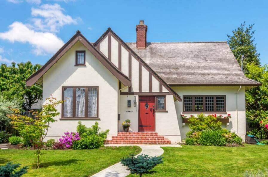 beyaz ve güzel bir ev