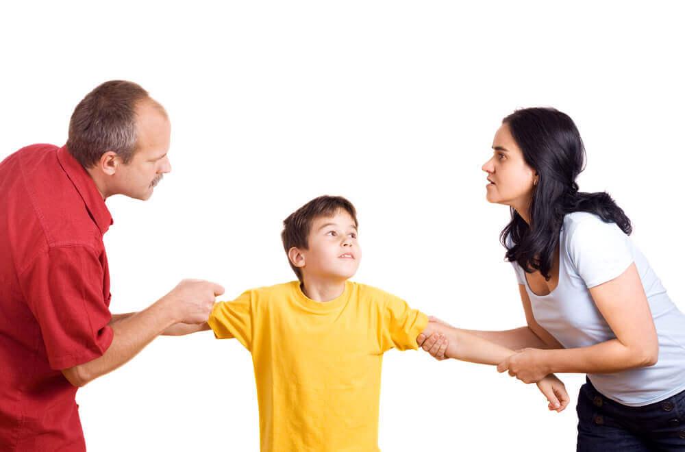kavga eden aile ve çocuk