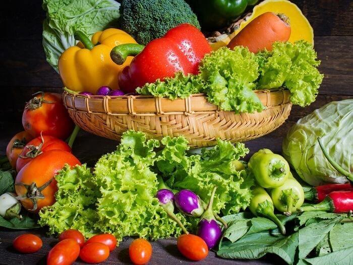 çeşitli meyve ve sebzeler