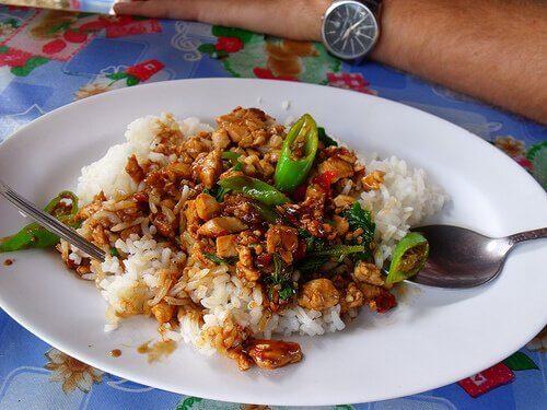 pilav üstü tavuk Tavuk ve Ballı Çin Pilavı