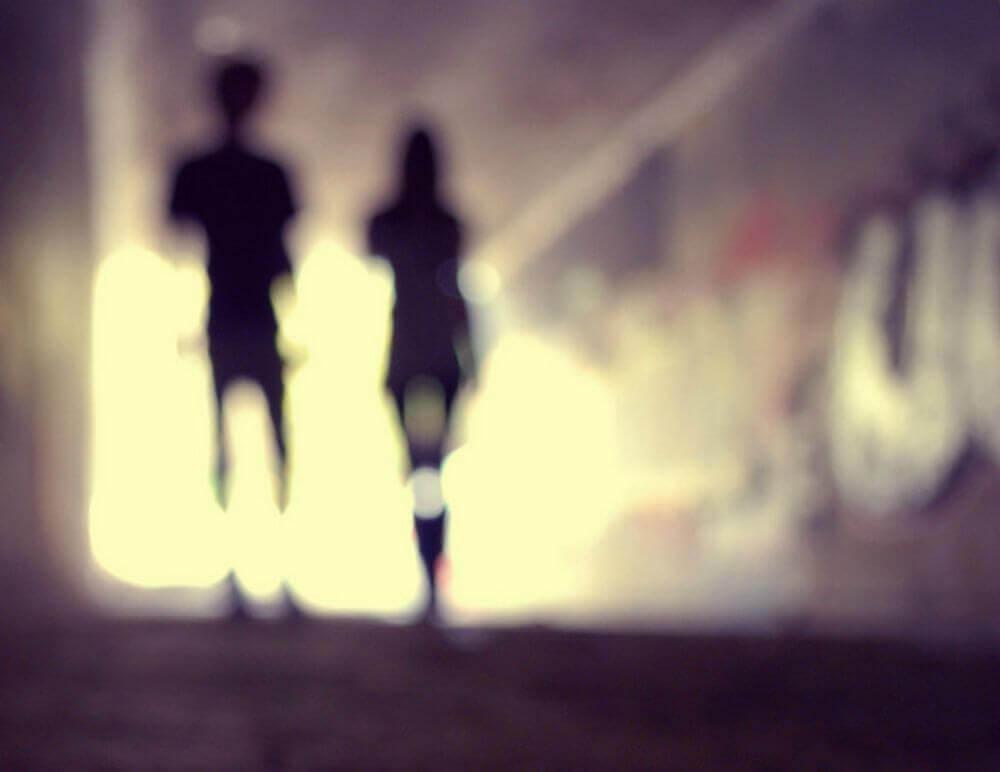 tutkulu aşk bohem iki sevgili karanlıkta