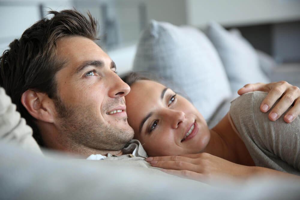 tutkulu aşk bir çift mutlu insan