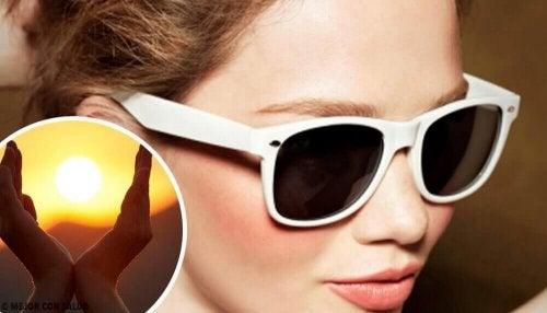 Güneş Gözlüğü Takmamanın Yol Açtığı 9 Durum