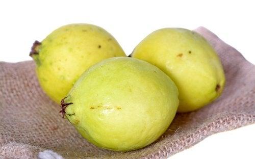 kabuğu soyulmamış guava