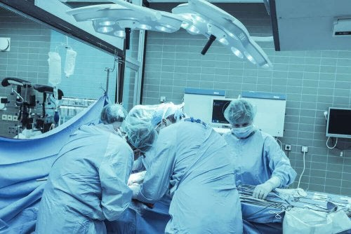 kolon kanseri operasyonu
