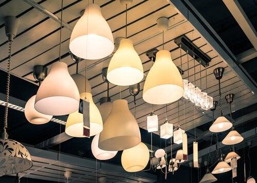 bir sürü lamba