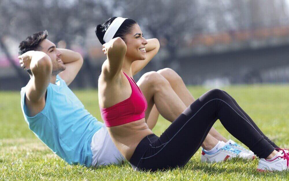 spor yapan kadın ve erkek