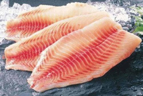 çiğ balık dilimleri
