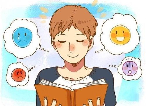 kitap okuyan birey emojiler