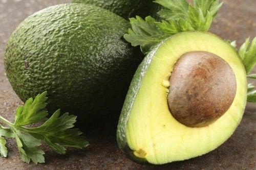 kilo almaya yardımcı olan avokado
