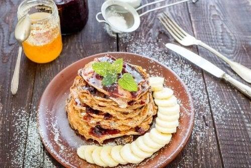 Sağlıklı Bir Kahvaltı: Yulaflı, Muzlu Ve Kakaolu Krep