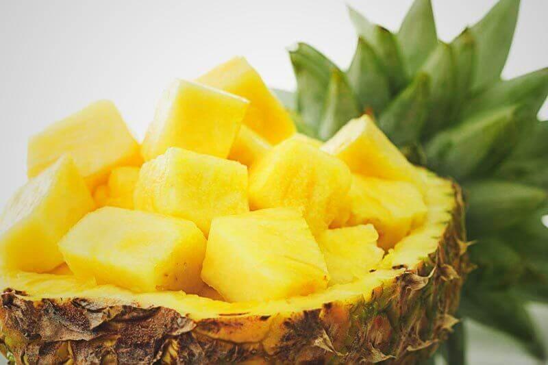 küp küp kesilmiş ananas