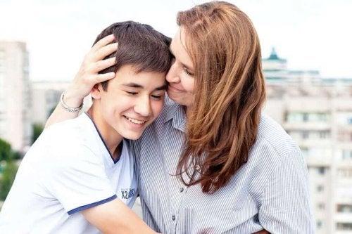 mutlu anne ve oğlu