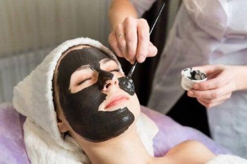 yüz maskesi uygulaması