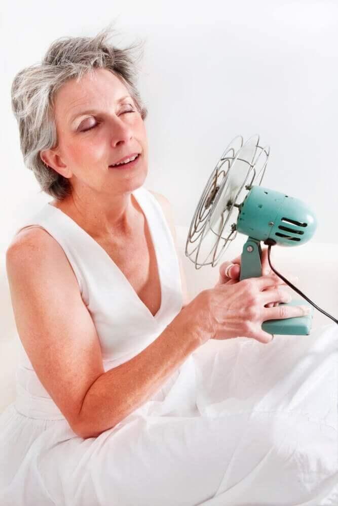 Menopozun Etkileriyle Savaşmak İçin Doğal Yöntemler