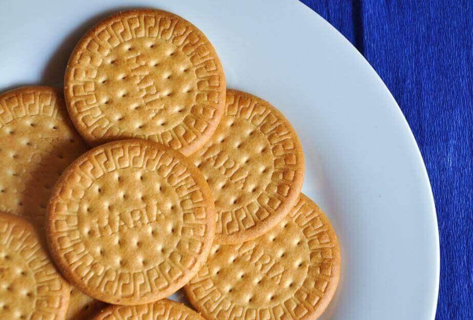 bir tabak kurabiye