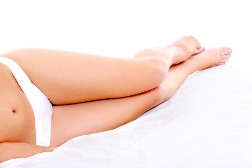 bir kadının bacakları