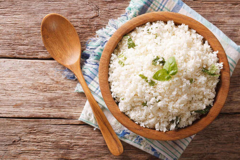 bir tabak pirinç