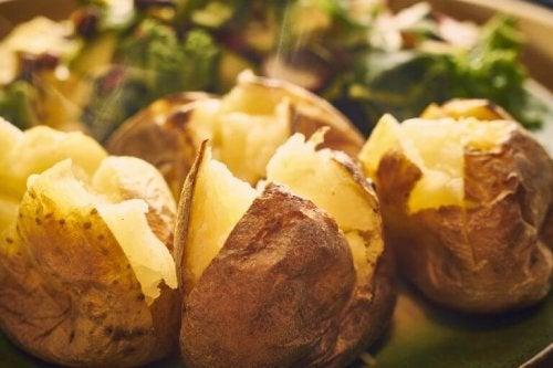 Fırında Pişen Lezzetler: 5 Farklı Fırınlanmış Patates Tarifi