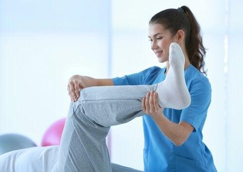 Kas Kramplarını Evde Nasıl Tedavi Edeceğinizi Öğrenin