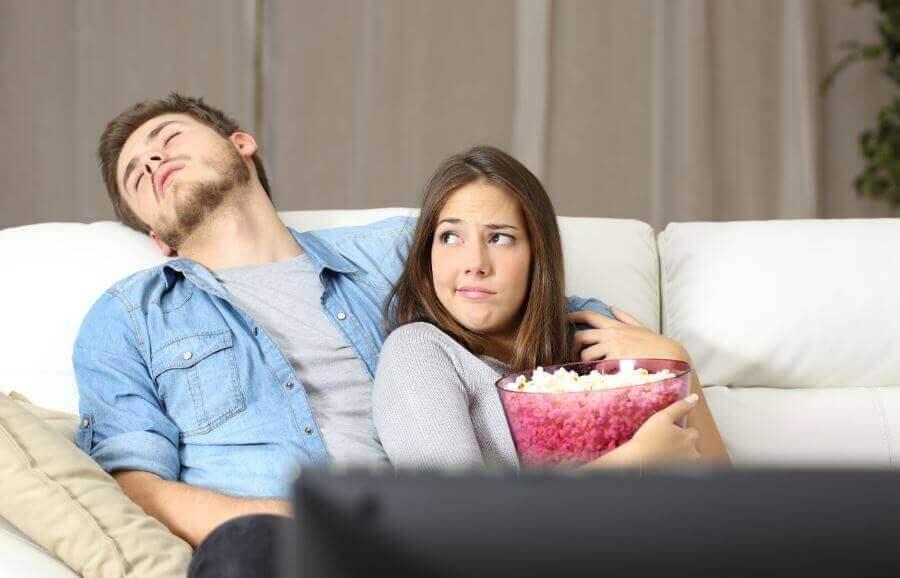 Mutsuz Çiftler ve Birlikte Kalmalarının 5 Sebebi