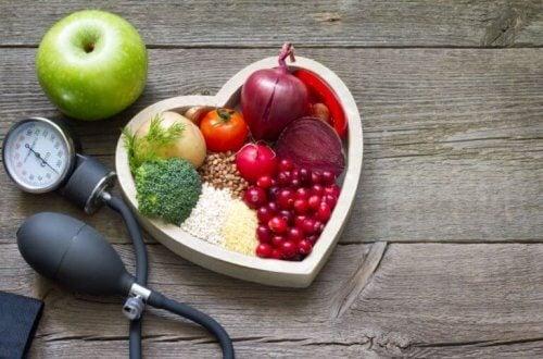 kalp tabakta sağlıklı yiyecekler