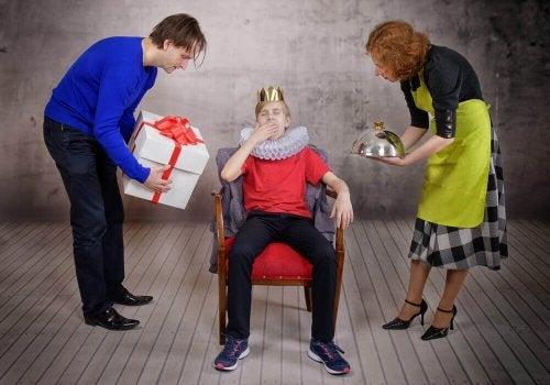 şımarık çocuk anne baba kral hizmet