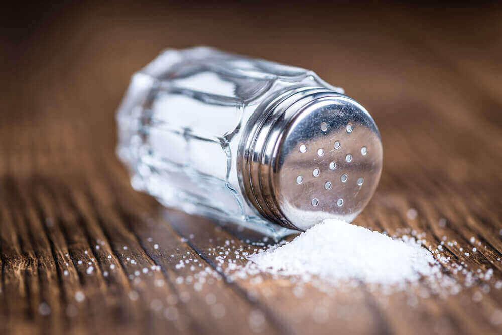 tuzluktan dökülmüş tuzlar