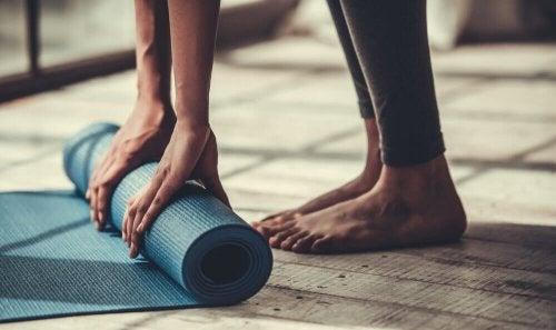 Çok Esnek Olmayanların Yapabileceği 5 Yoga Hareketi