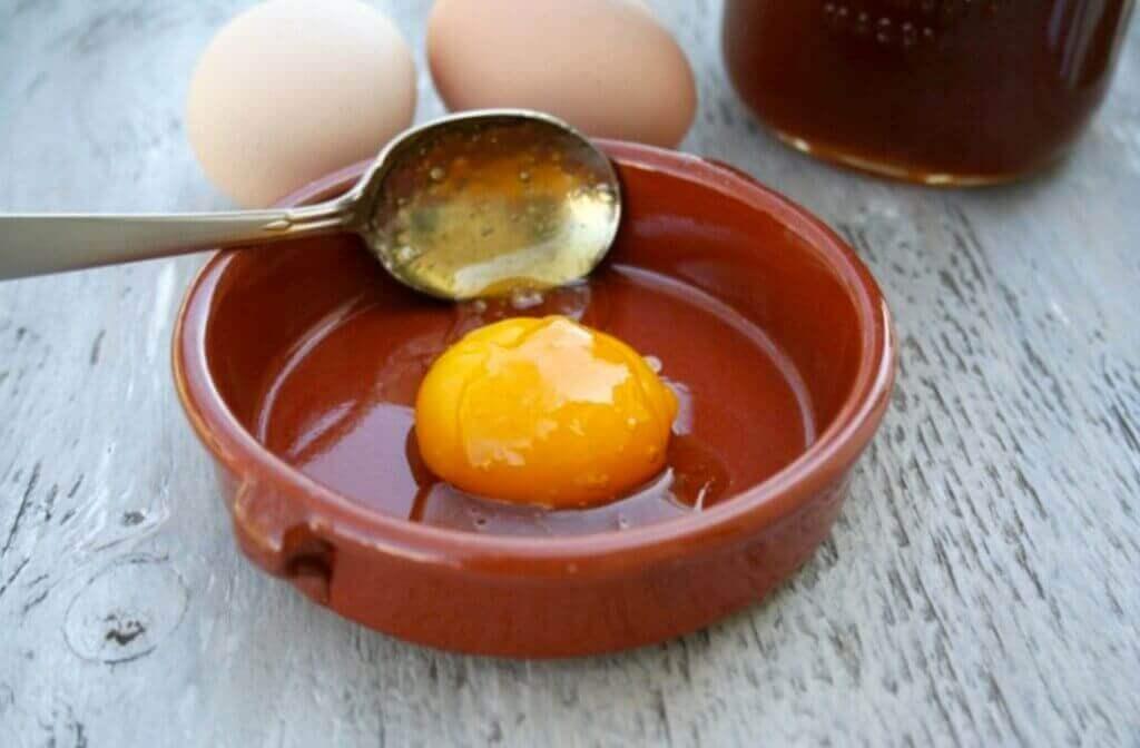 bir kapta yumurta