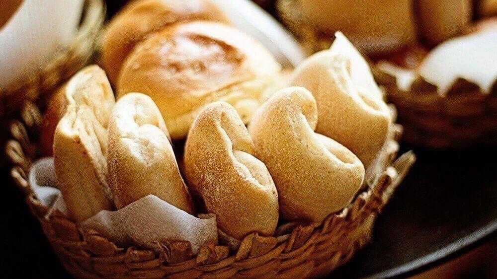bir ekmek sepeti
