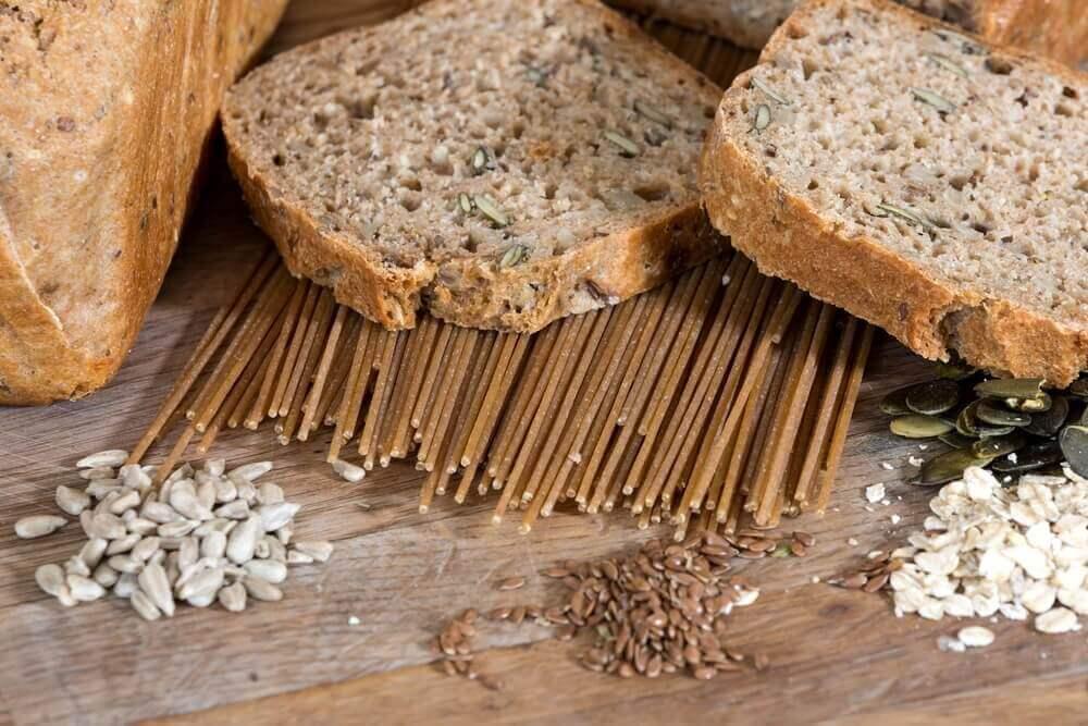 çekirdekli ekmek dilimi