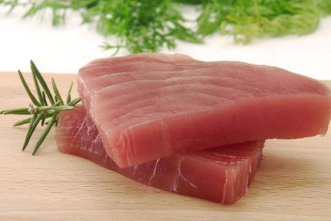 iki dilim ton balığı