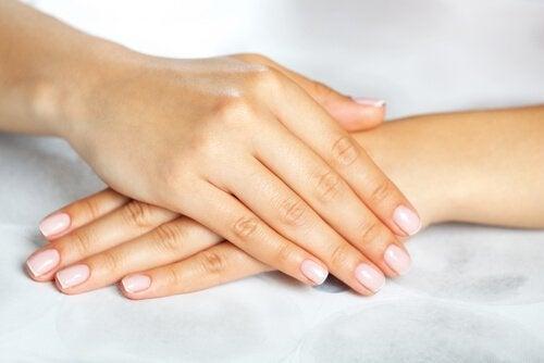 kavuşmuş eller temiz