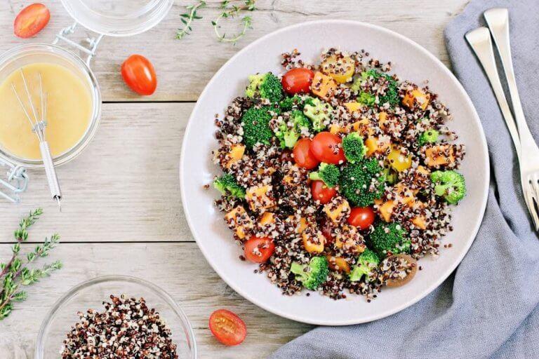 kinoalı brokolili salata