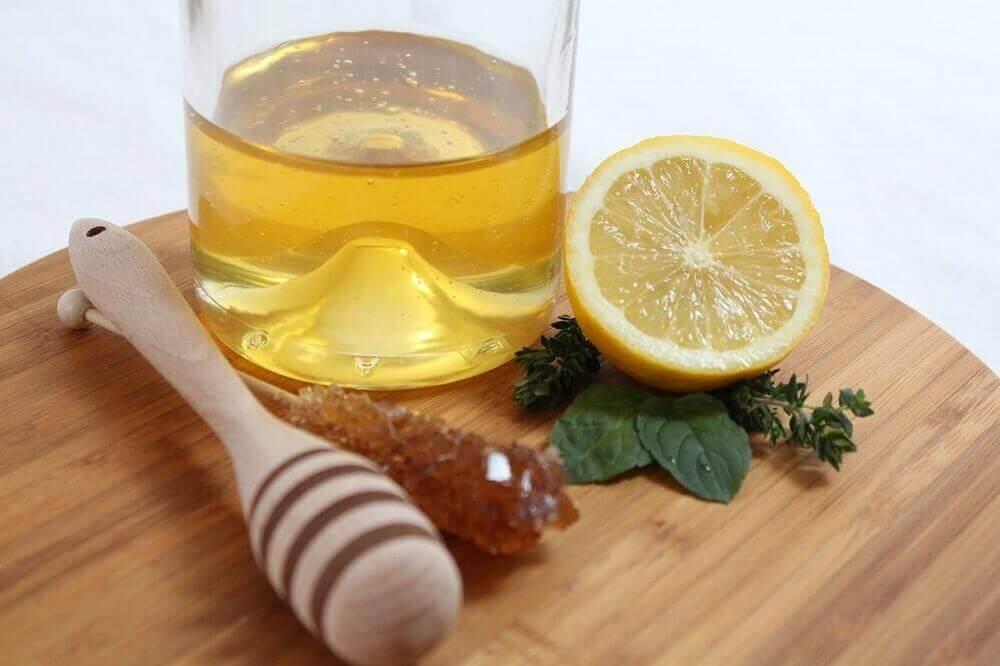 bardakta bal limon
