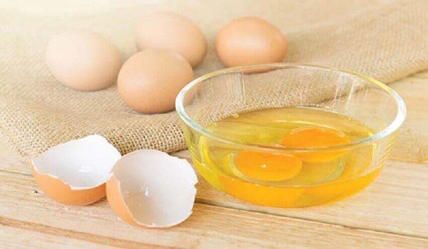 iki yumurta sarısı