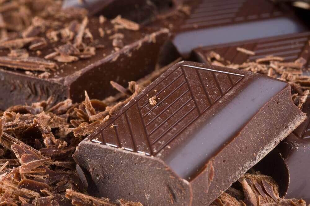 bir parça çikolata